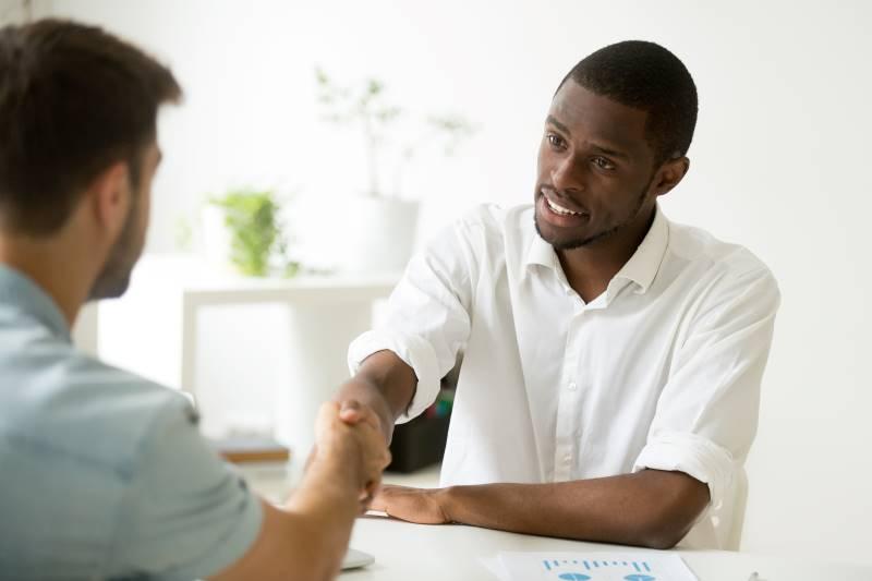 Primeiro-emprego-entenda-por-que-investir-em-um-curso-profissionalizante.